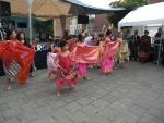 de indonesische dansgroep meiden.JPG